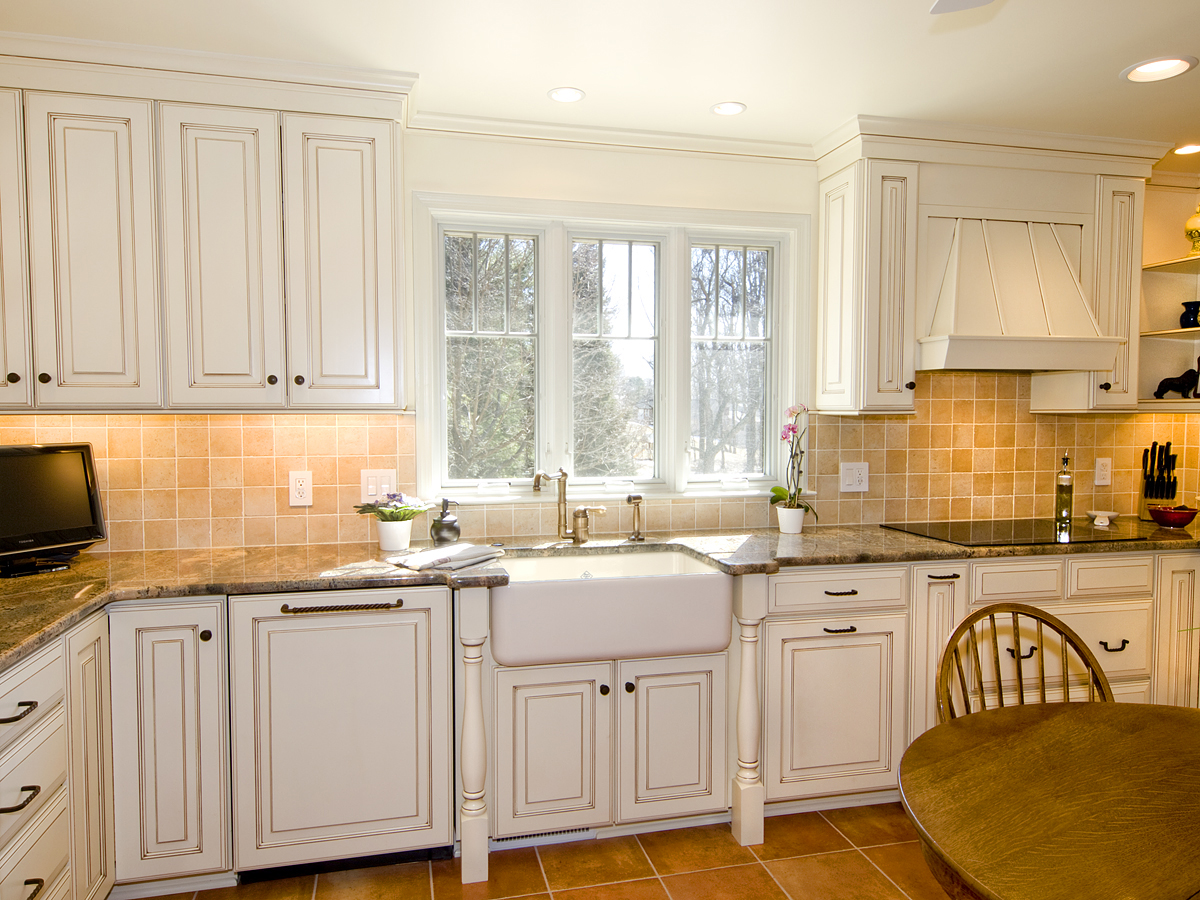 Country Painted Maple Kitchen - Bel-Air Construction – Maryland ...