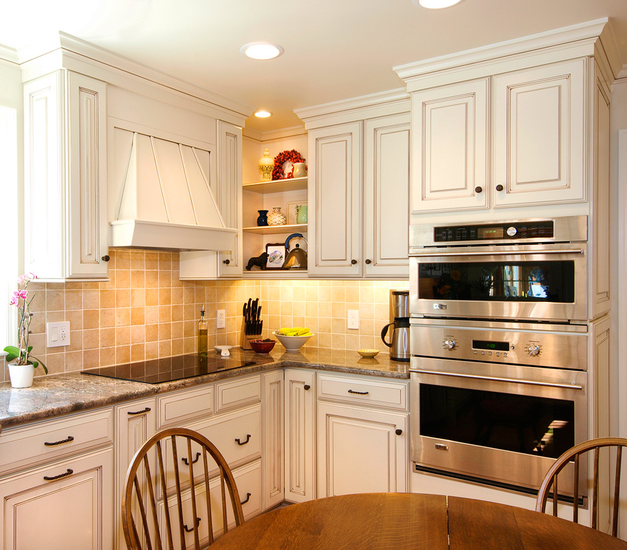 Country Painted Maple Kitchen Bel Air Construction